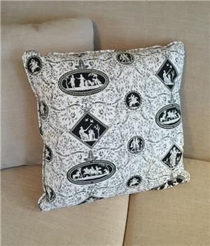 Black & White Toile Pillow - BWTOILEP
